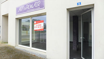 BOUGUENAIS LES COUETS - Local commercial de 45 m²