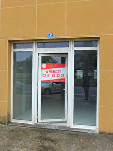 BOUGUENAIS LES COUETS - Local commercial de 82 m²